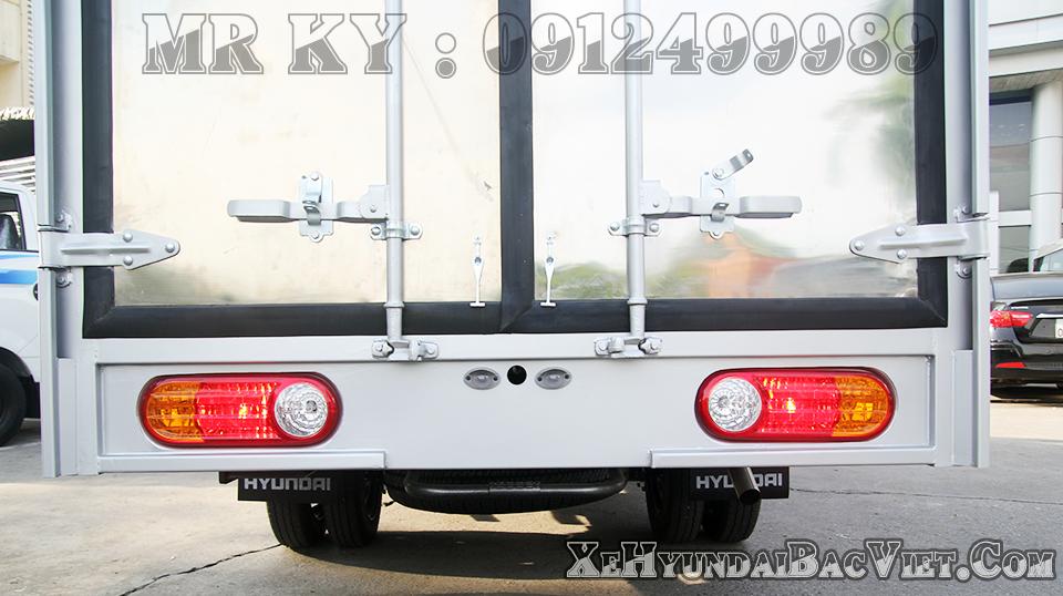 xe-h100-thung-kin-composit-hyundai-xehyundaibacviet-com6