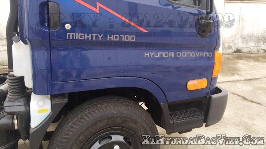 xe-tai-7-tan-hyundai-hd700-dong-vang-xehyundaibacviet-com1