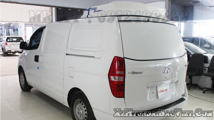 Phần đuôi Xe Tải Van Đông Lạnh Hyundai Starex