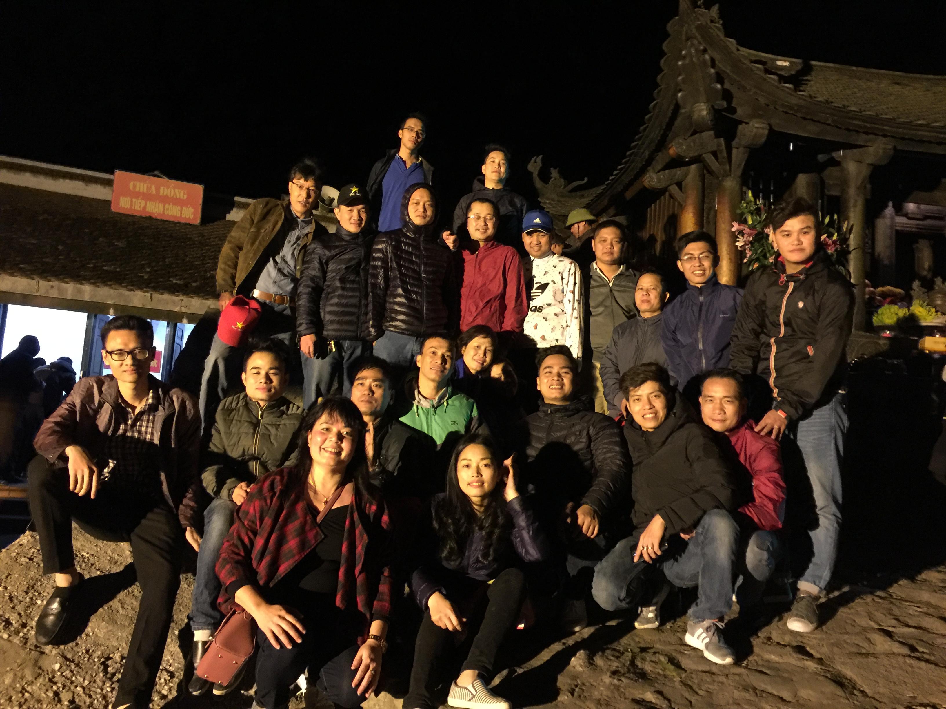 đi lễ đầu năm hyundai bắc việt [xehyundaibacviet.com] (1)