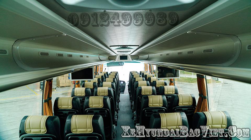 Khoang hành khách trên Scania A50
